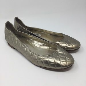 Manolo Blahnik Round Toe Quilted Flats, Size 40